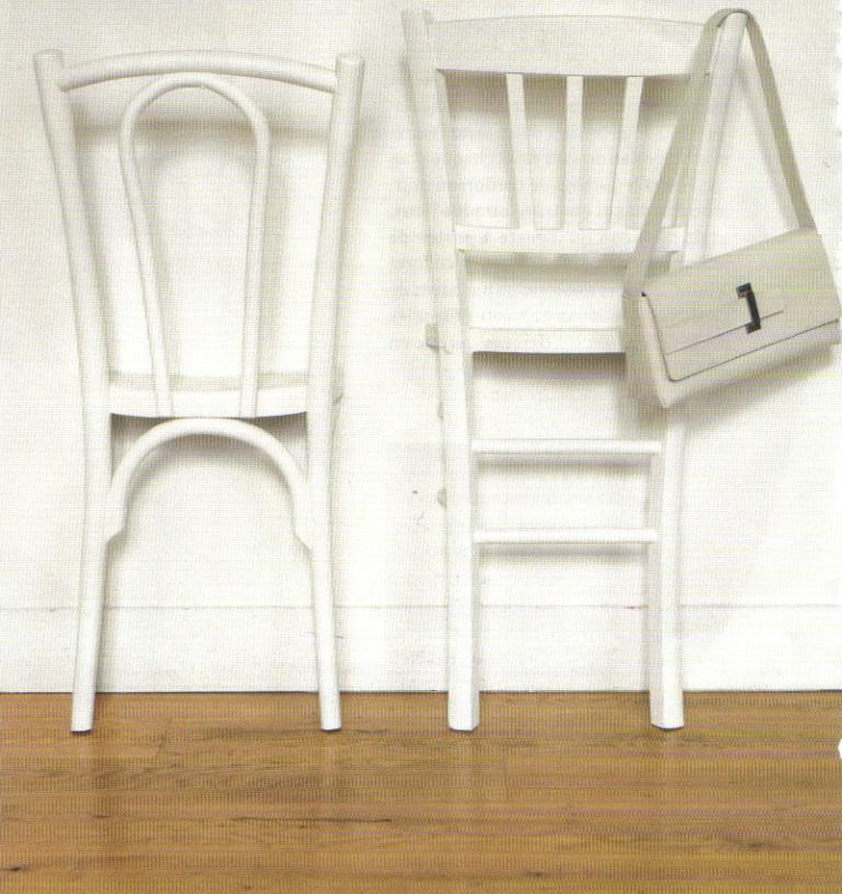 La photo du jour: une chaise porte-manteau - Déconome on
