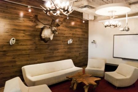 Oser poser du plancher sur les murs d conome - Mur en bois interieur decoratif ...