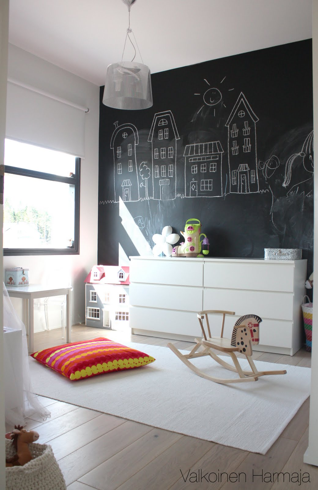 chambre peinture tableau noir archives d conome. Black Bedroom Furniture Sets. Home Design Ideas