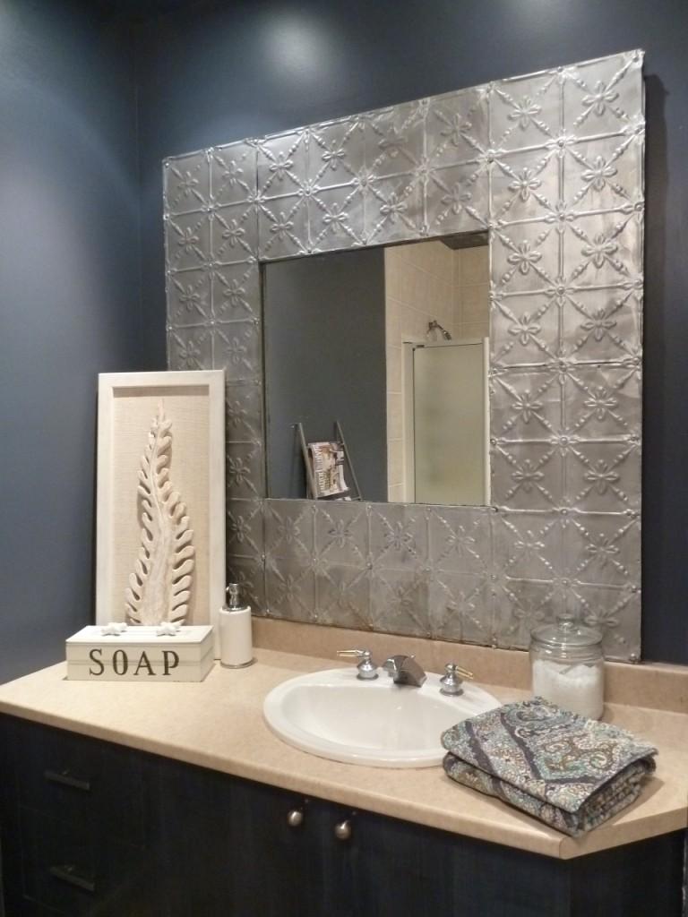 Tin tile mirror DIY / Fabriquer miroir tuiles embossées métal étain